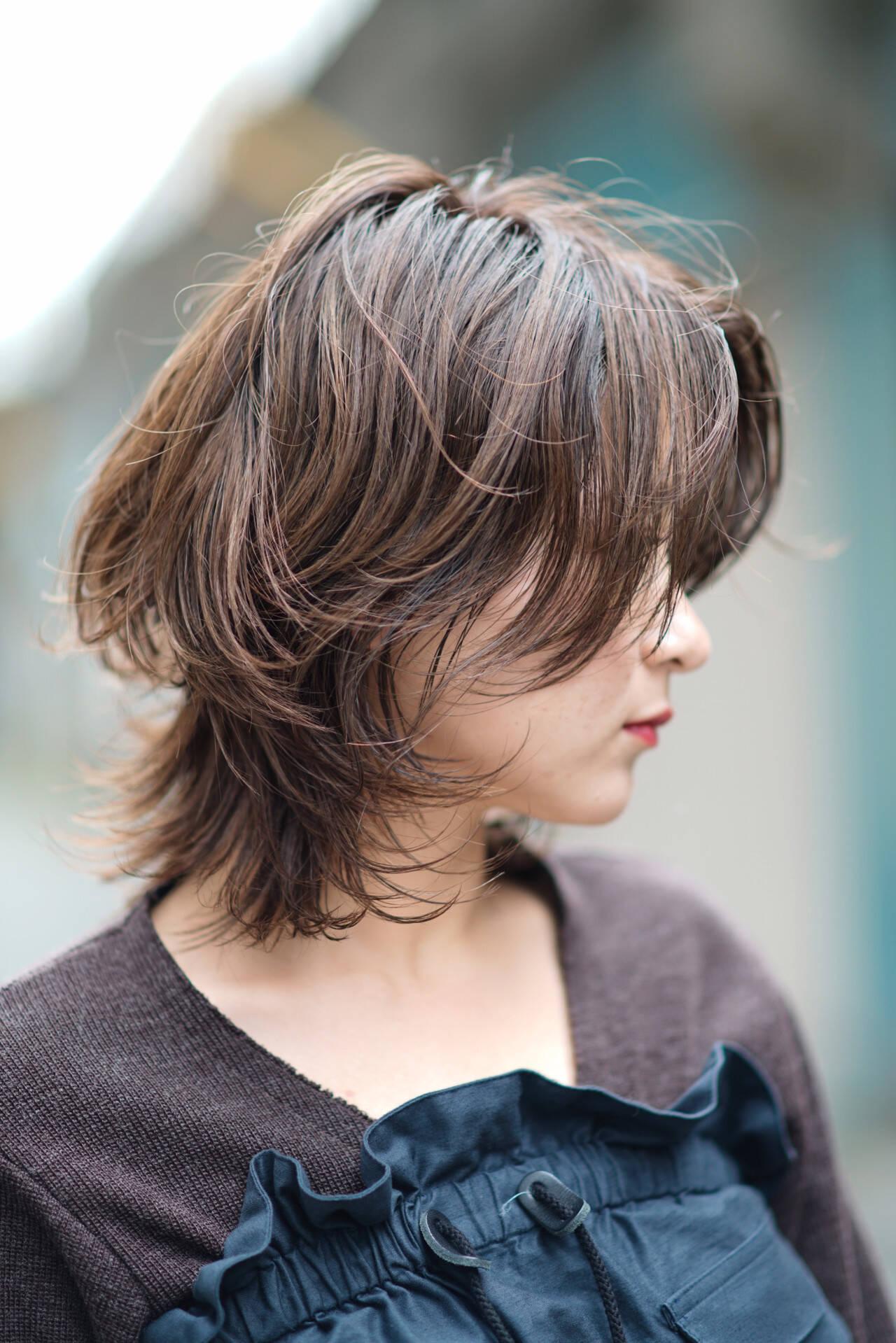 ミディアム 大人ショート フォギーアッシュ パーマヘアスタイルや髪型の写真・画像