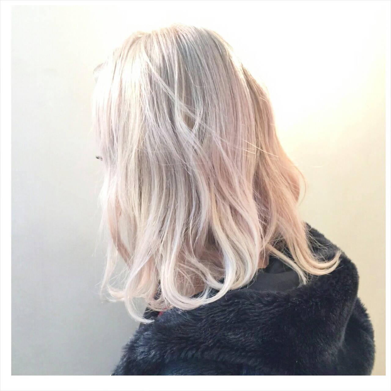 ロブ ストリート ブリーチ ハイトーンヘアスタイルや髪型の写真・画像