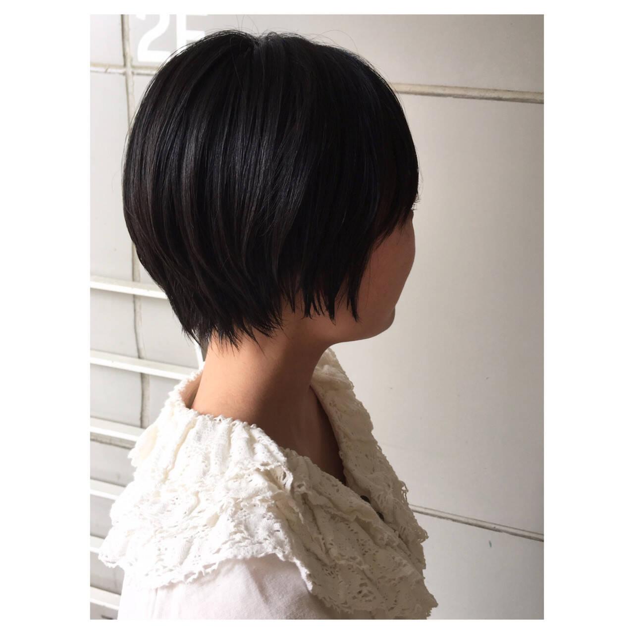 ショート マッシュショート 黒髪 ナチュラルヘアスタイルや髪型の写真・画像