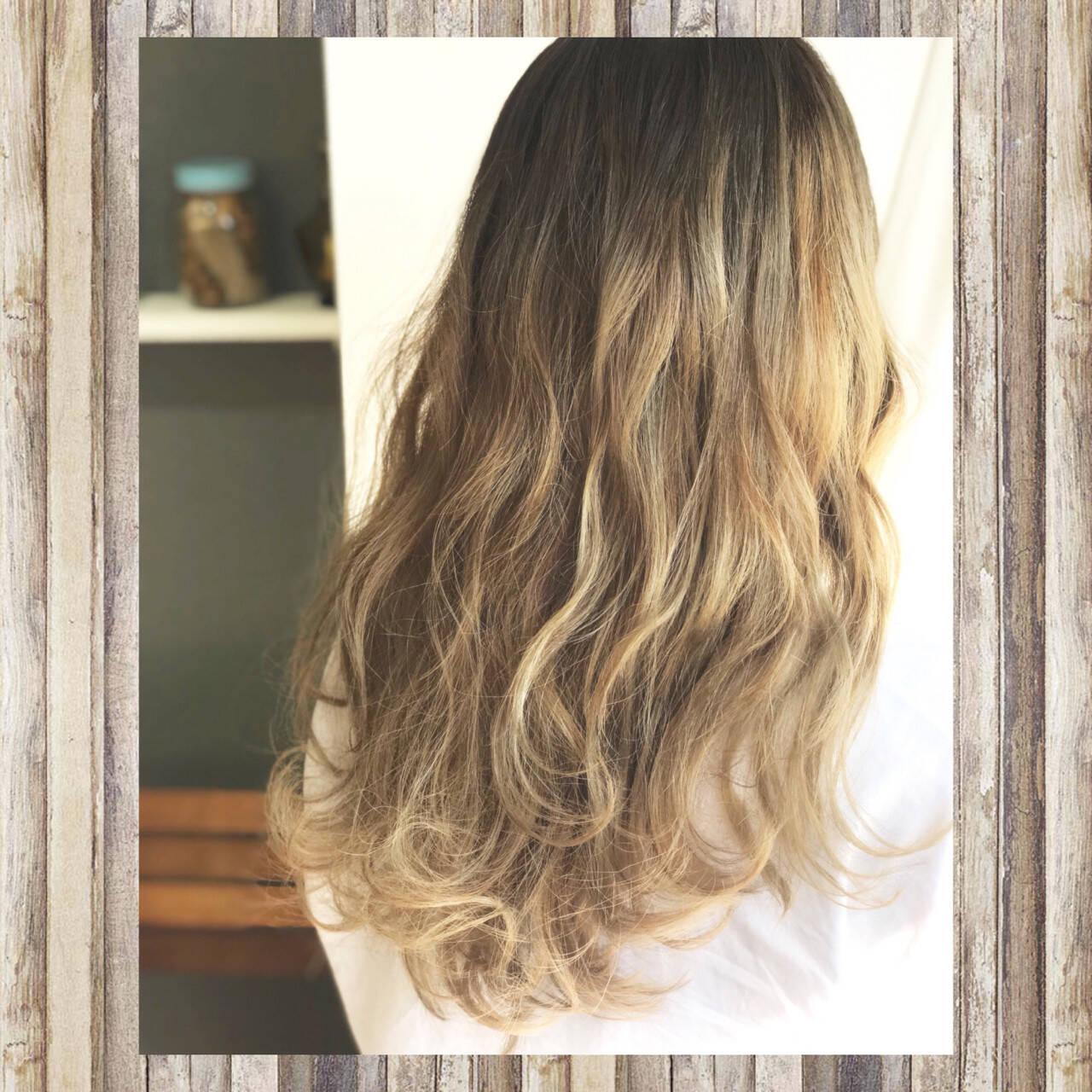 ナチュラル ブリーチ グラデーションカラー 秋ヘアスタイルや髪型の写真・画像