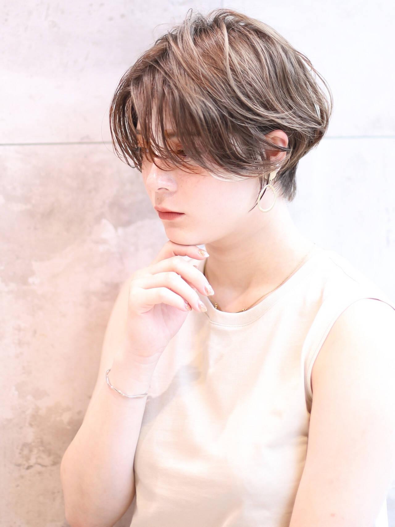 ナチュラル 小顔ショート ショートボブ ショートヘアヘアスタイルや髪型の写真・画像