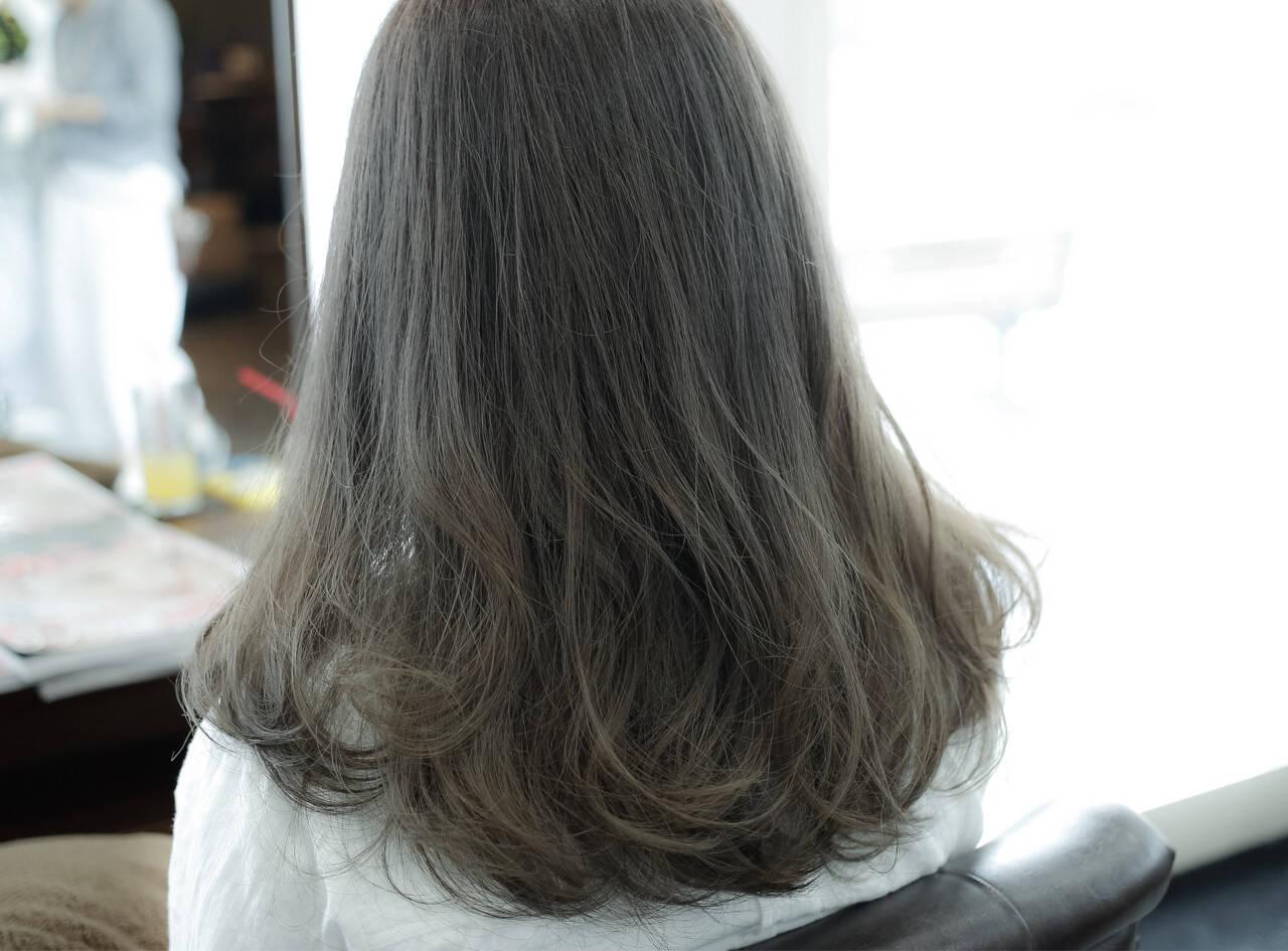 ストリート 外国人風 ミディアム アッシュヘアスタイルや髪型の写真・画像