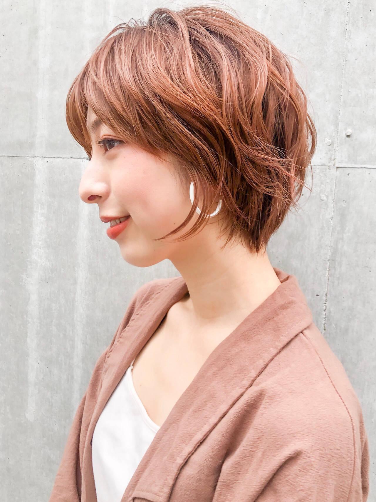 ショートヘア ナチュラル ベージュカラー ミニボブヘアスタイルや髪型の写真・画像