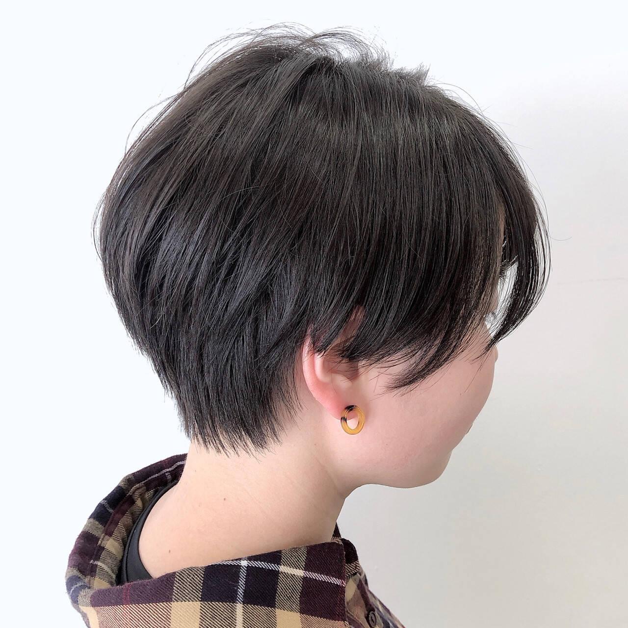 ショートヘア 小顔ショート ナチュラル 大人ショートヘアスタイルや髪型の写真・画像