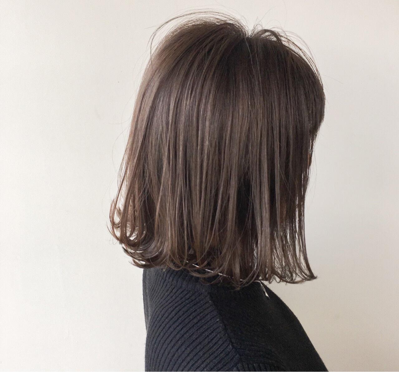 デート グレージュ ナチュラル ボブヘアスタイルや髪型の写真・画像
