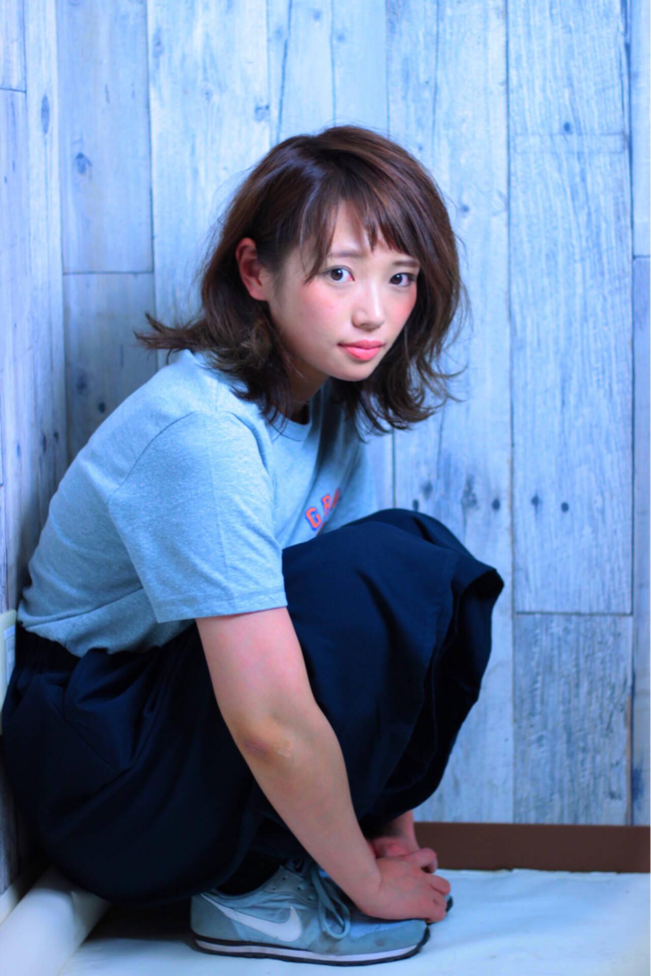 ストリート 涼しげ ミディアム ナチュラルヘアスタイルや髪型の写真・画像