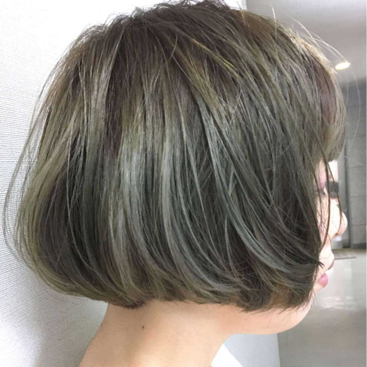 アッシュグレージュ ワンカール アッシュ ガーリーヘアスタイルや髪型の写真・画像