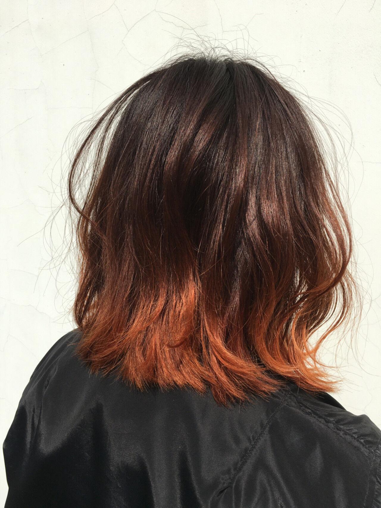 外ハネ インナーカラー ハイライト ボブヘアスタイルや髪型の写真・画像