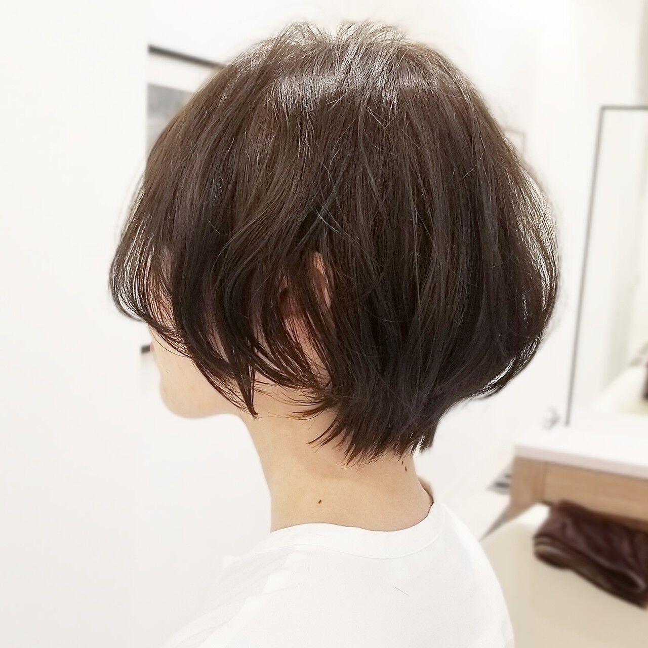 小顔ショート グレージュ ショートボブ 大人ショートヘアスタイルや髪型の写真・画像