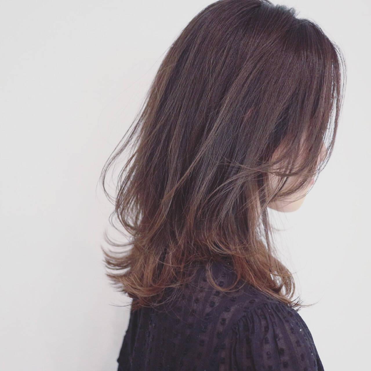 フェミニン セミロング 外国人風カラー グラデーションカラーヘアスタイルや髪型の写真・画像