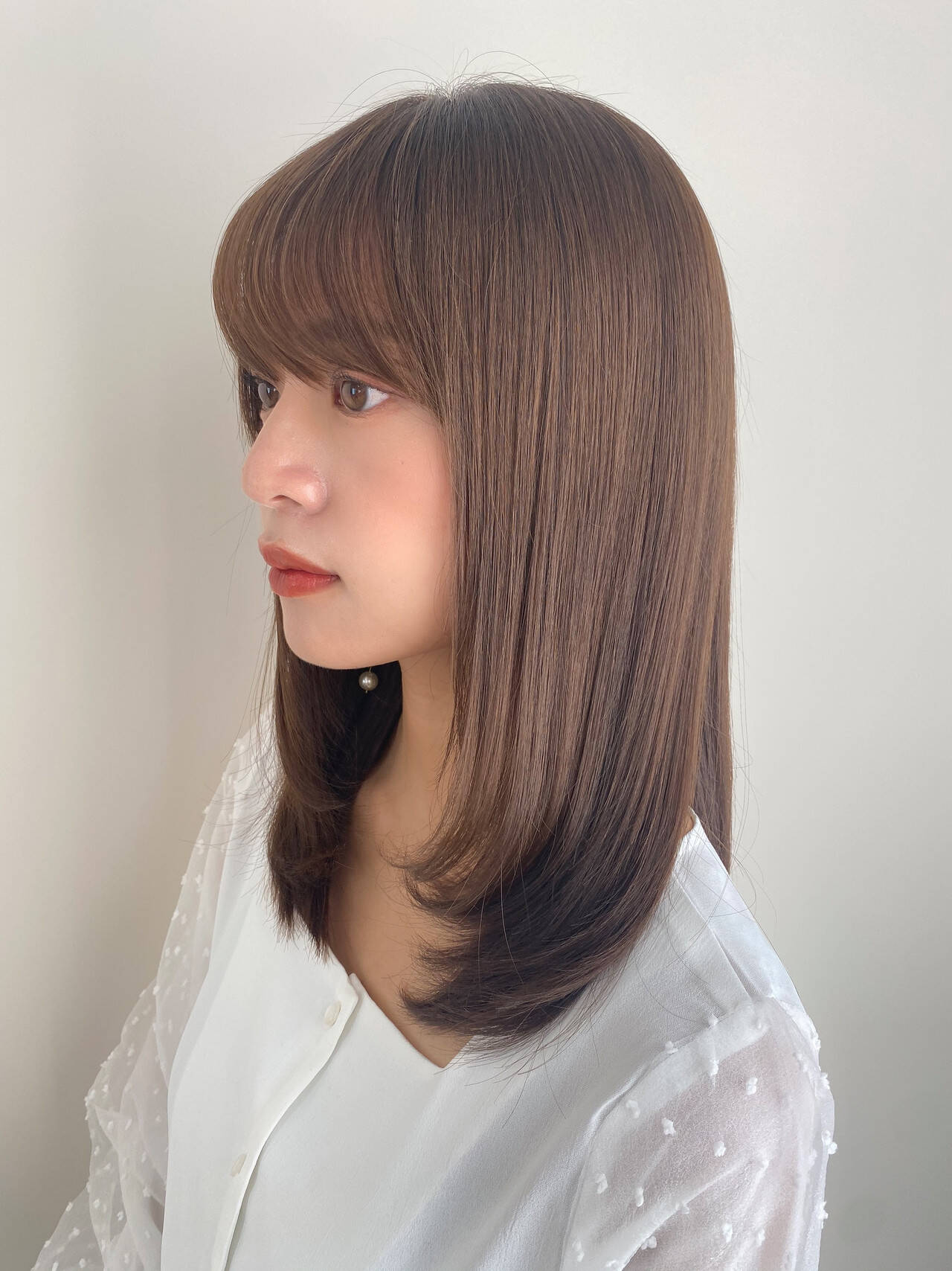 小顔ヘア レイヤーカット セミロング 前髪ありヘアスタイルや髪型の写真・画像