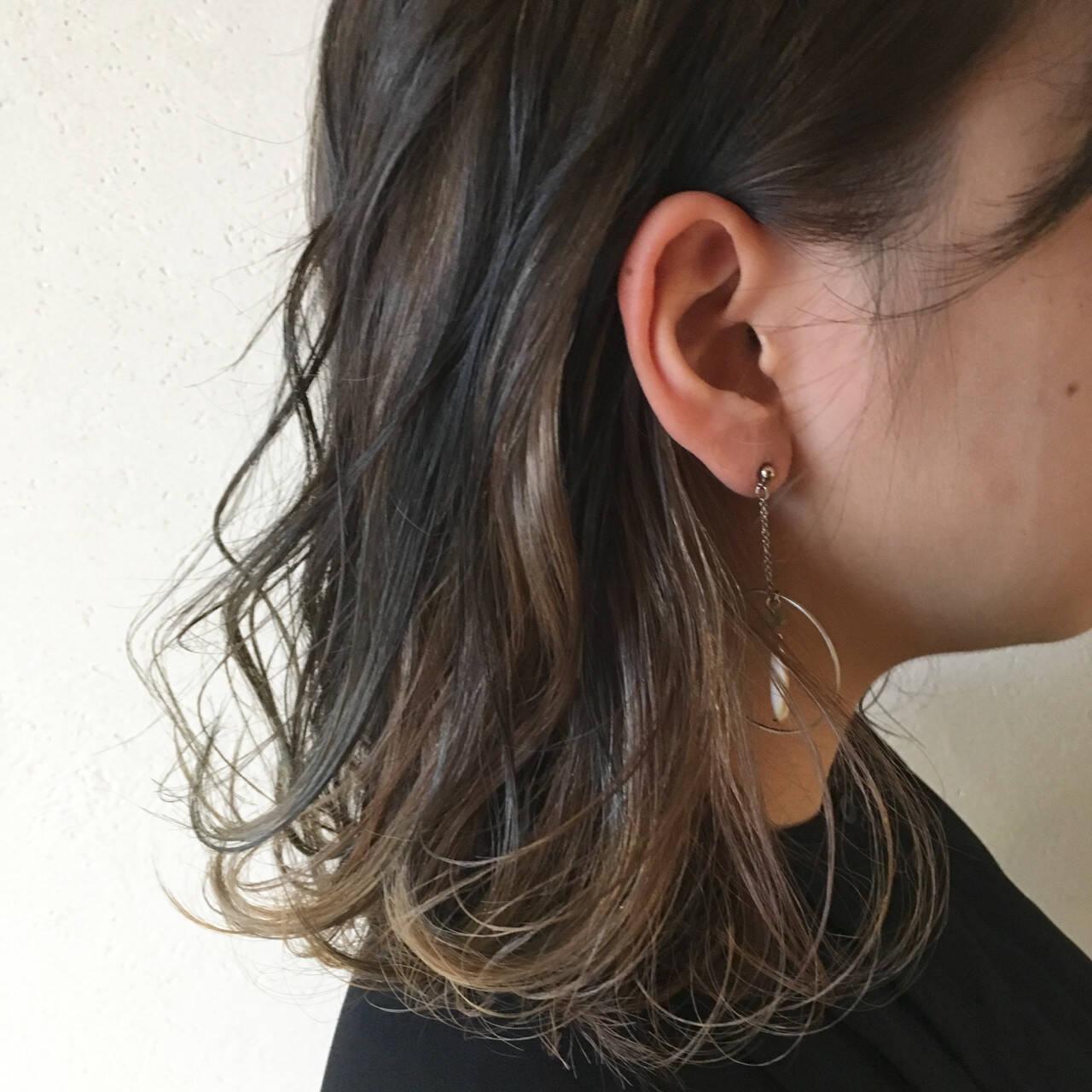 ミディアム ストリート 外国人風カラー インナーカラーヘアスタイルや髪型の写真・画像