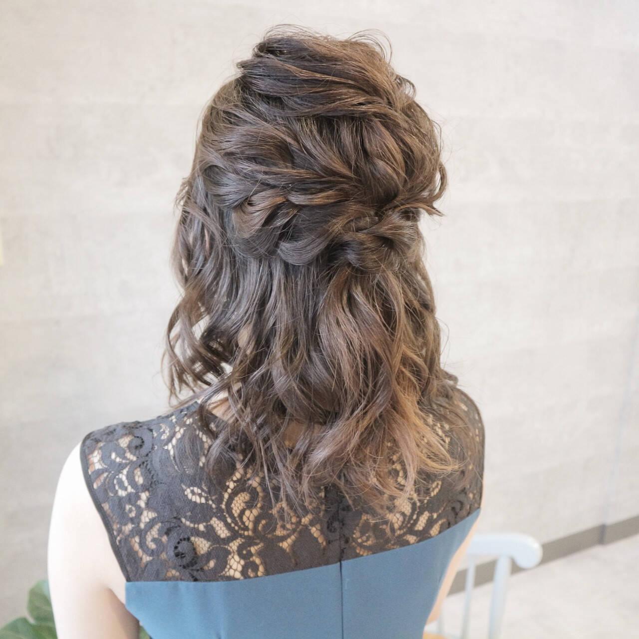 デート アンニュイほつれヘア 結婚式 セミロングヘアスタイルや髪型の写真・画像
