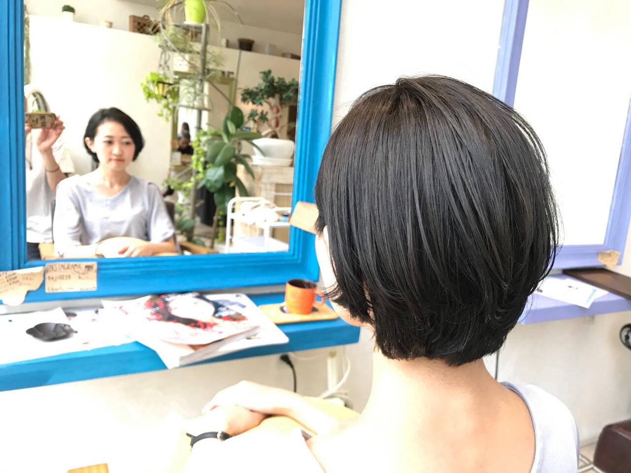 グレー 秋 ナチュラル ブルーヘアスタイルや髪型の写真・画像