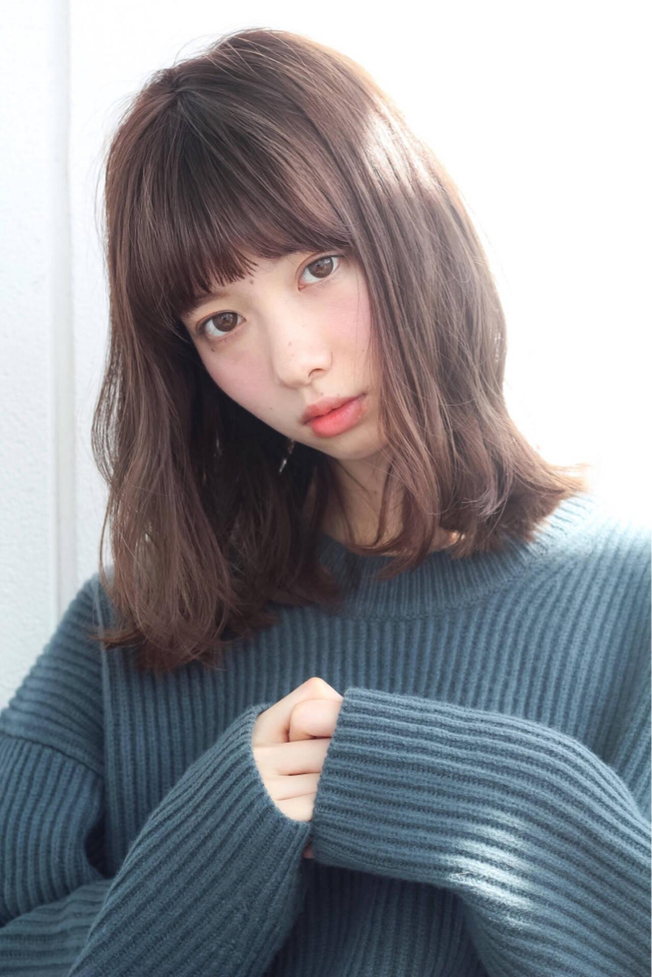 パーマ ミディアム ピュア ガーリーヘアスタイルや髪型の写真・画像