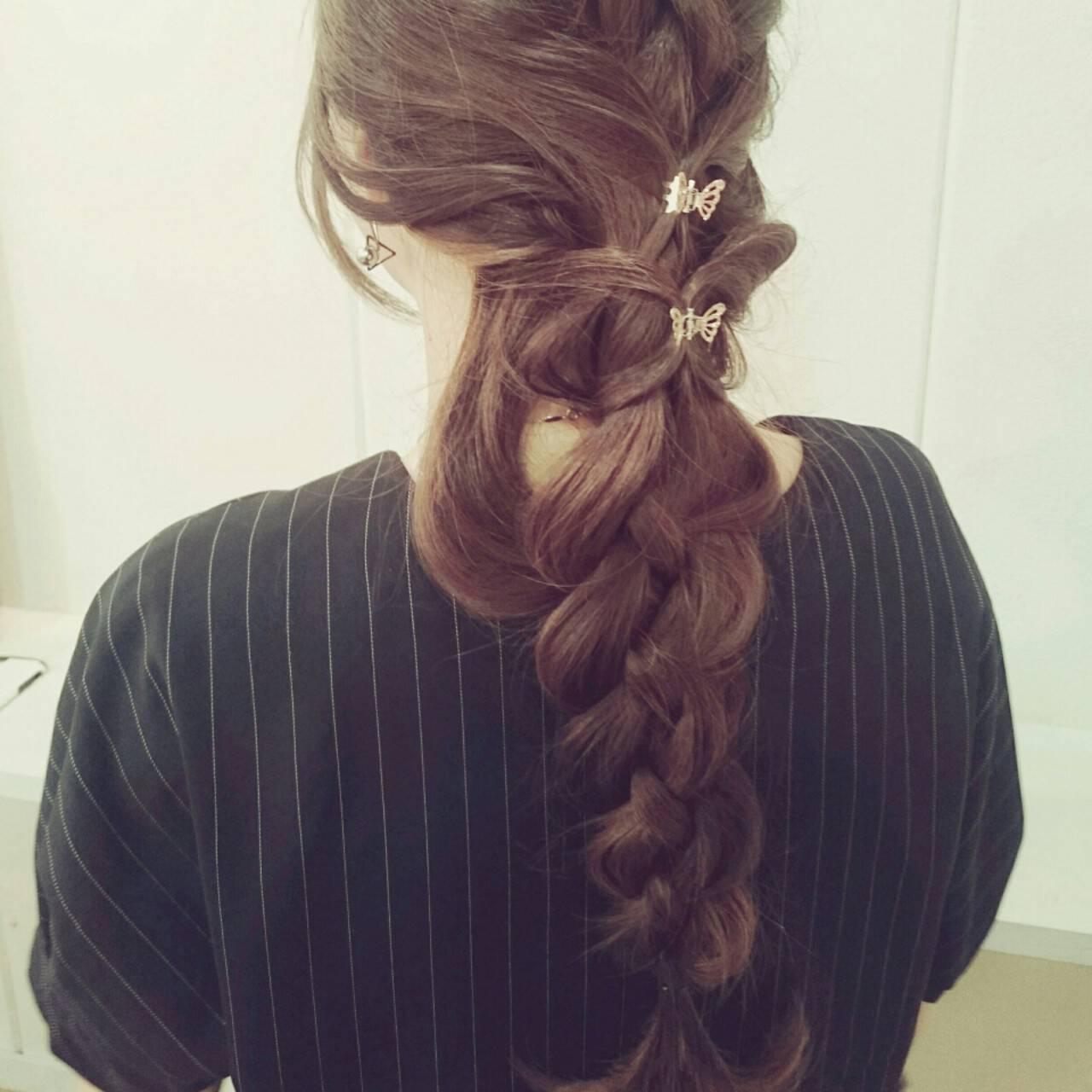 四つ編み 大人かわいい 編み込み フェミニンヘアスタイルや髪型の写真・画像