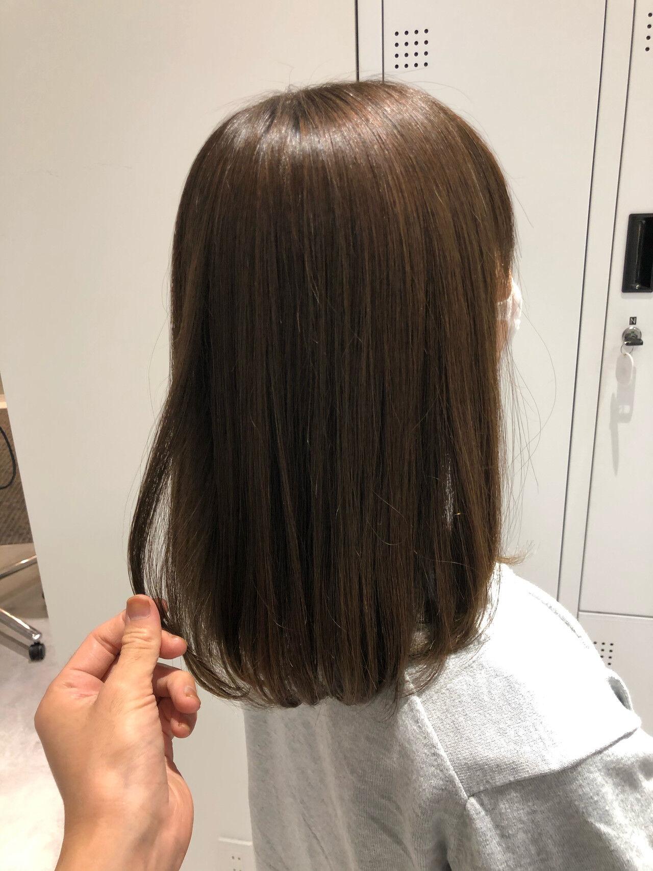 美髪矯正 オリーブベージュ オリーブグレージュ ナチュラルヘアスタイルや髪型の写真・画像