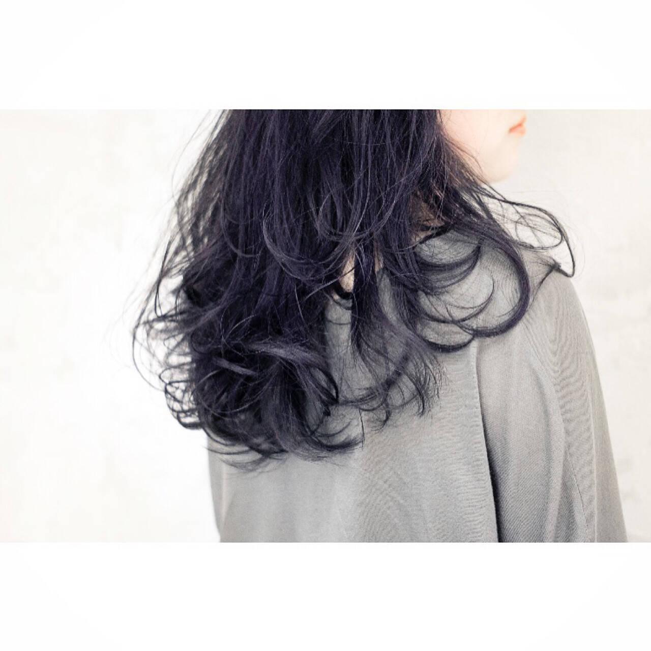 ロング 似合わせ ストリート ネイビーヘアスタイルや髪型の写真・画像