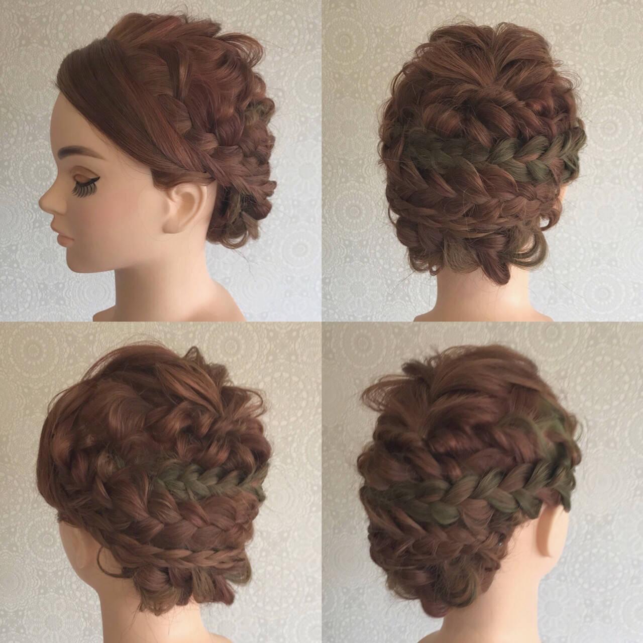 セミロング 結婚式 フェミニン 波ウェーブヘアスタイルや髪型の写真・画像