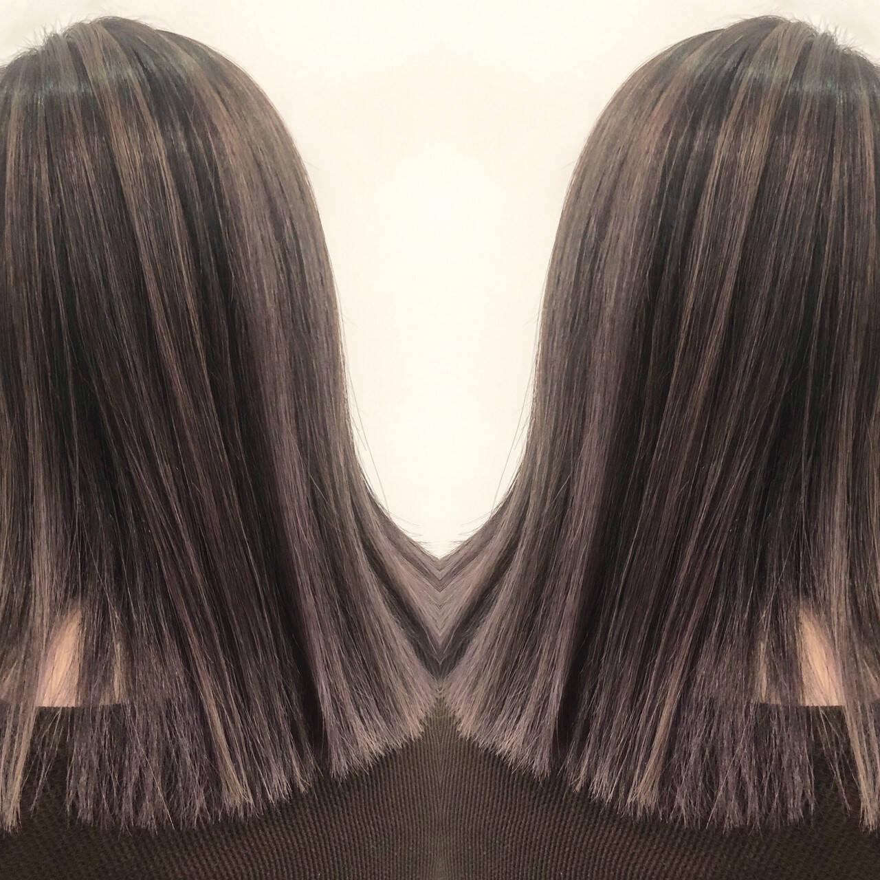 グラデーションカラー バレイヤージュ ナチュラル ハイライトヘアスタイルや髪型の写真・画像