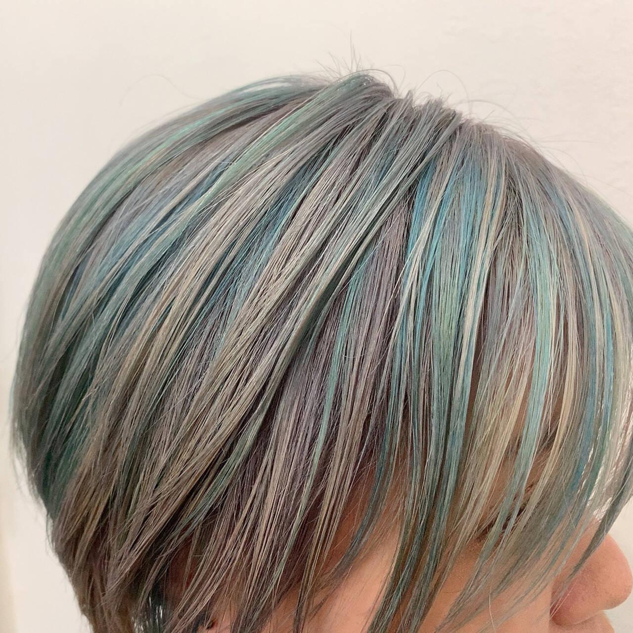 ショート デザインカラー ハイトーンカラー ブリーチカラーヘアスタイルや髪型の写真・画像