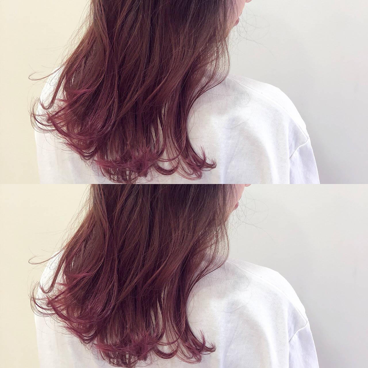ロング レッド ピンク カラーバターヘアスタイルや髪型の写真・画像