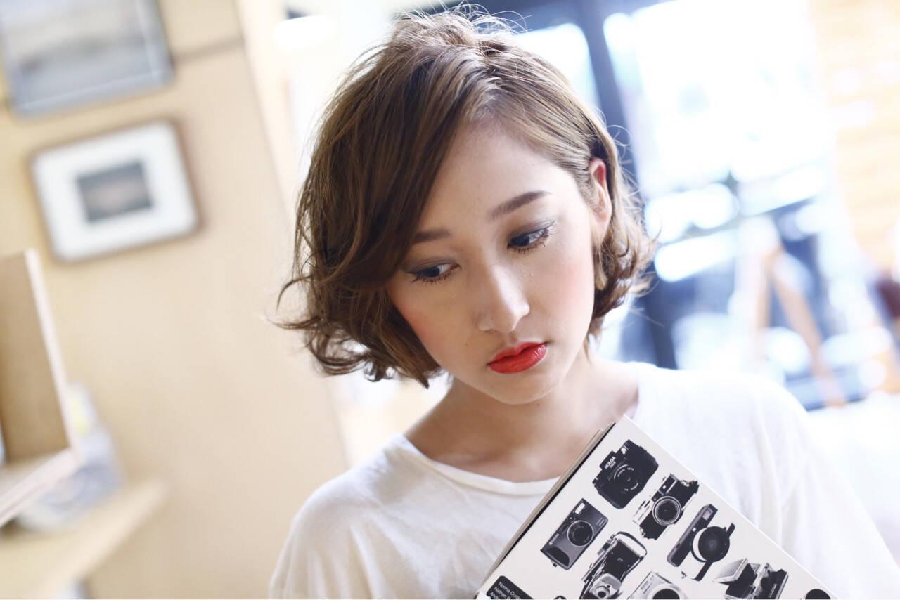 ナチュラル パーマ 大人女子 ニュアンスヘアスタイルや髪型の写真・画像