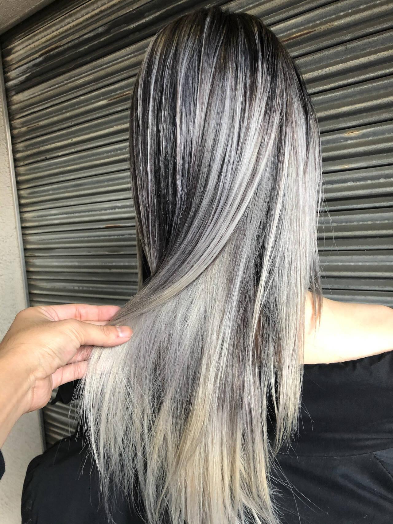 外国人風カラー ストリート ハイライト グレーヘアスタイルや髪型の写真・画像