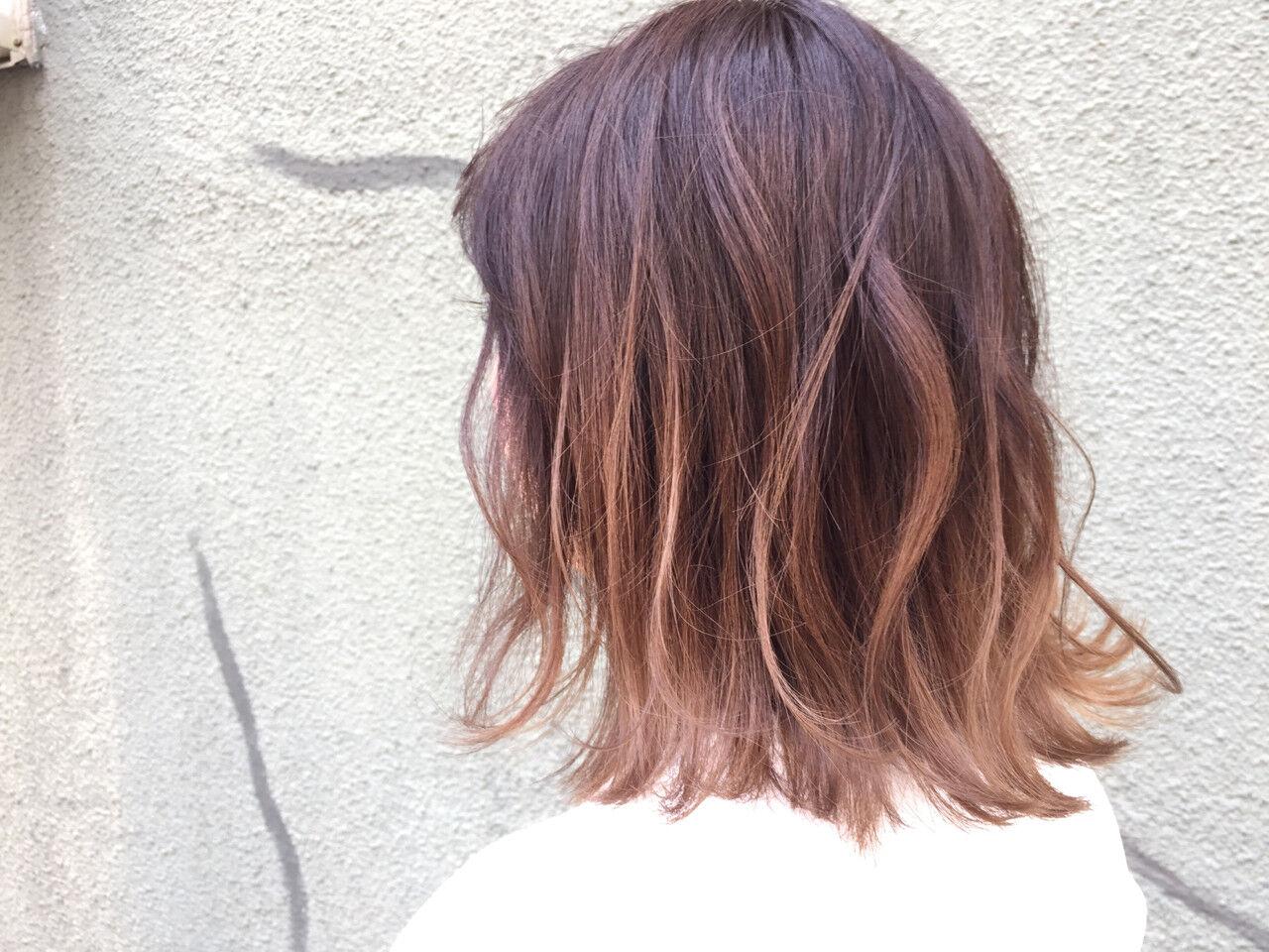 アッシュ ミディアム ストリート ハイライトヘアスタイルや髪型の写真・画像