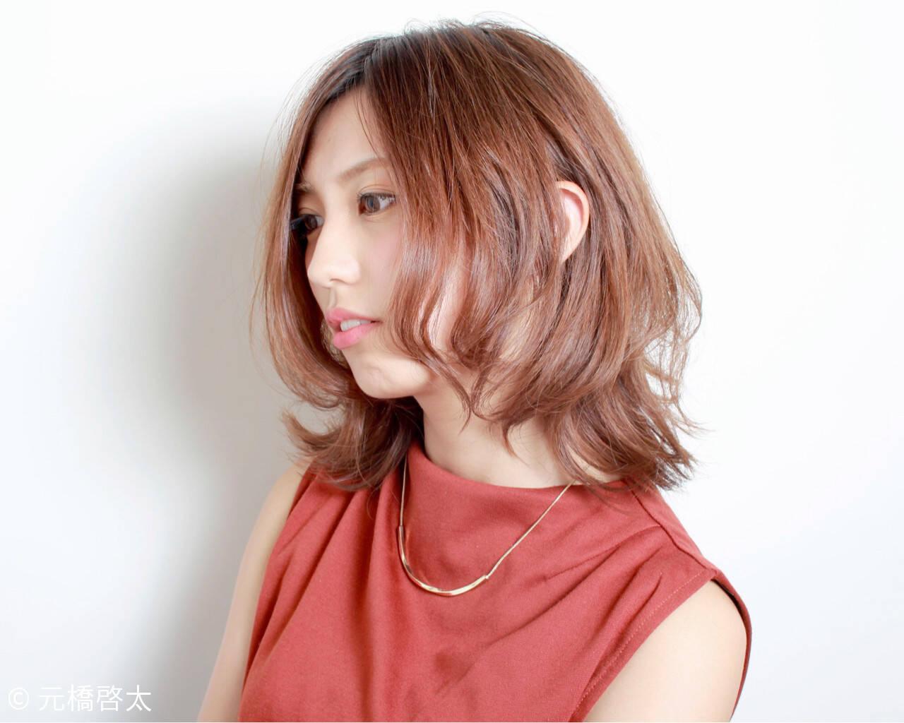 渋谷系 くせ毛風 ミディアム フェミニンヘアスタイルや髪型の写真・画像