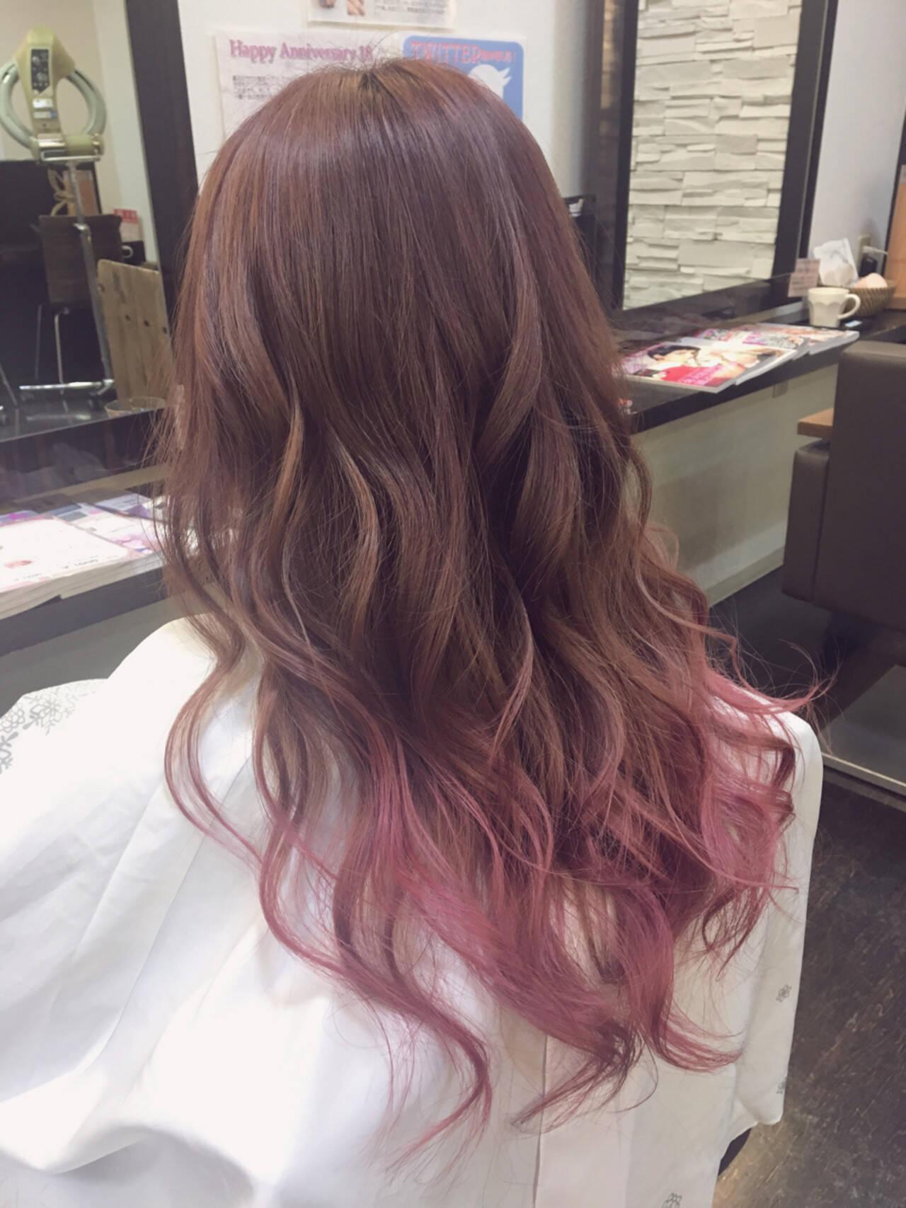 デート ロング パーマ ガーリーヘアスタイルや髪型の写真・画像