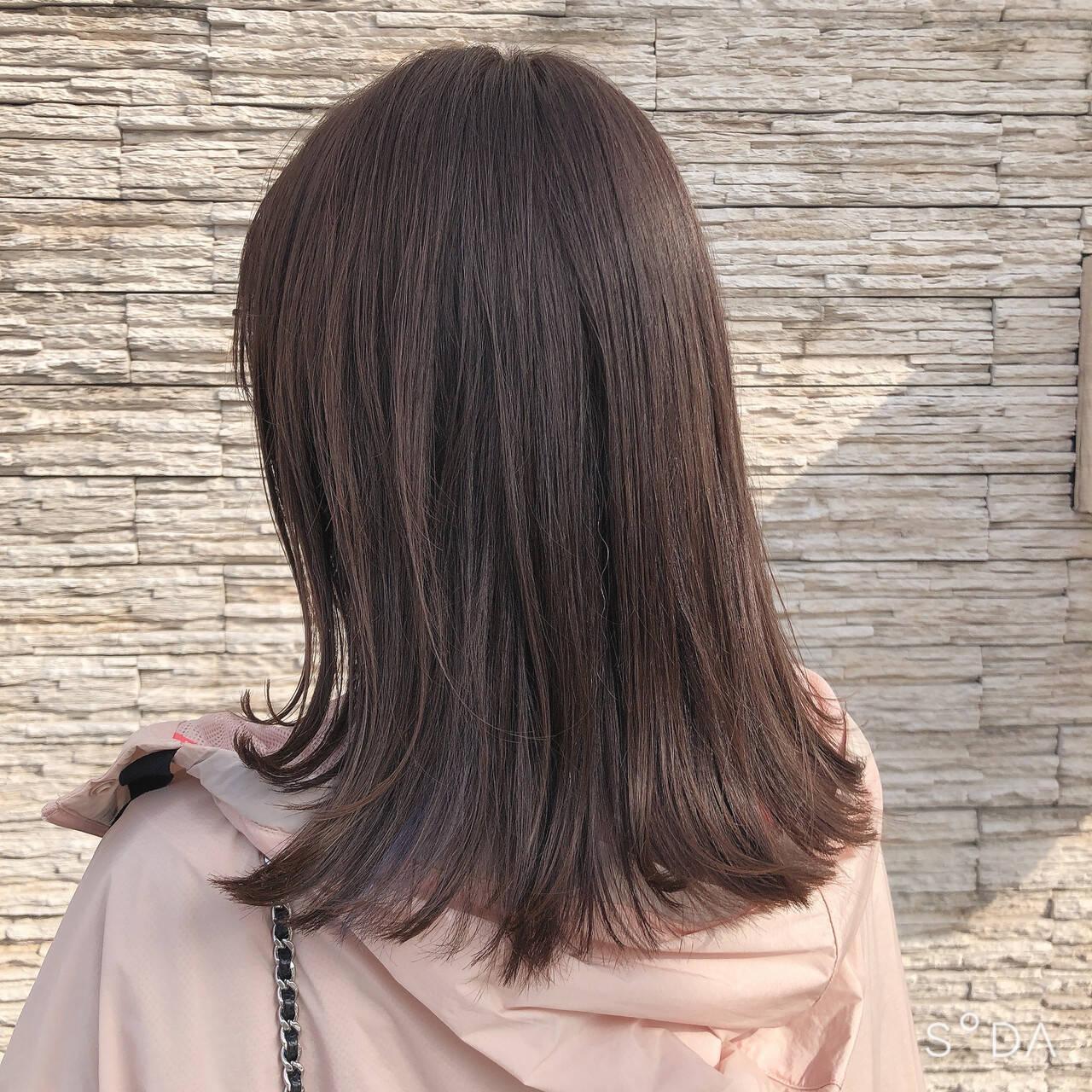 ナチュラル ハイライト 大人かわいい 切りっぱなしボブヘアスタイルや髪型の写真・画像