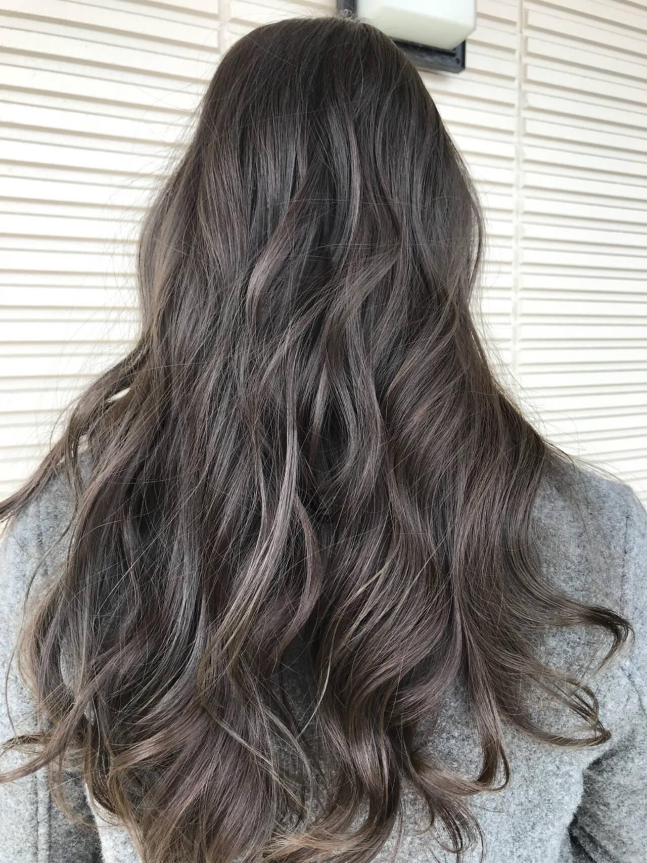 ハイライト グレージュ モード ロングヘアスタイルや髪型の写真・画像
