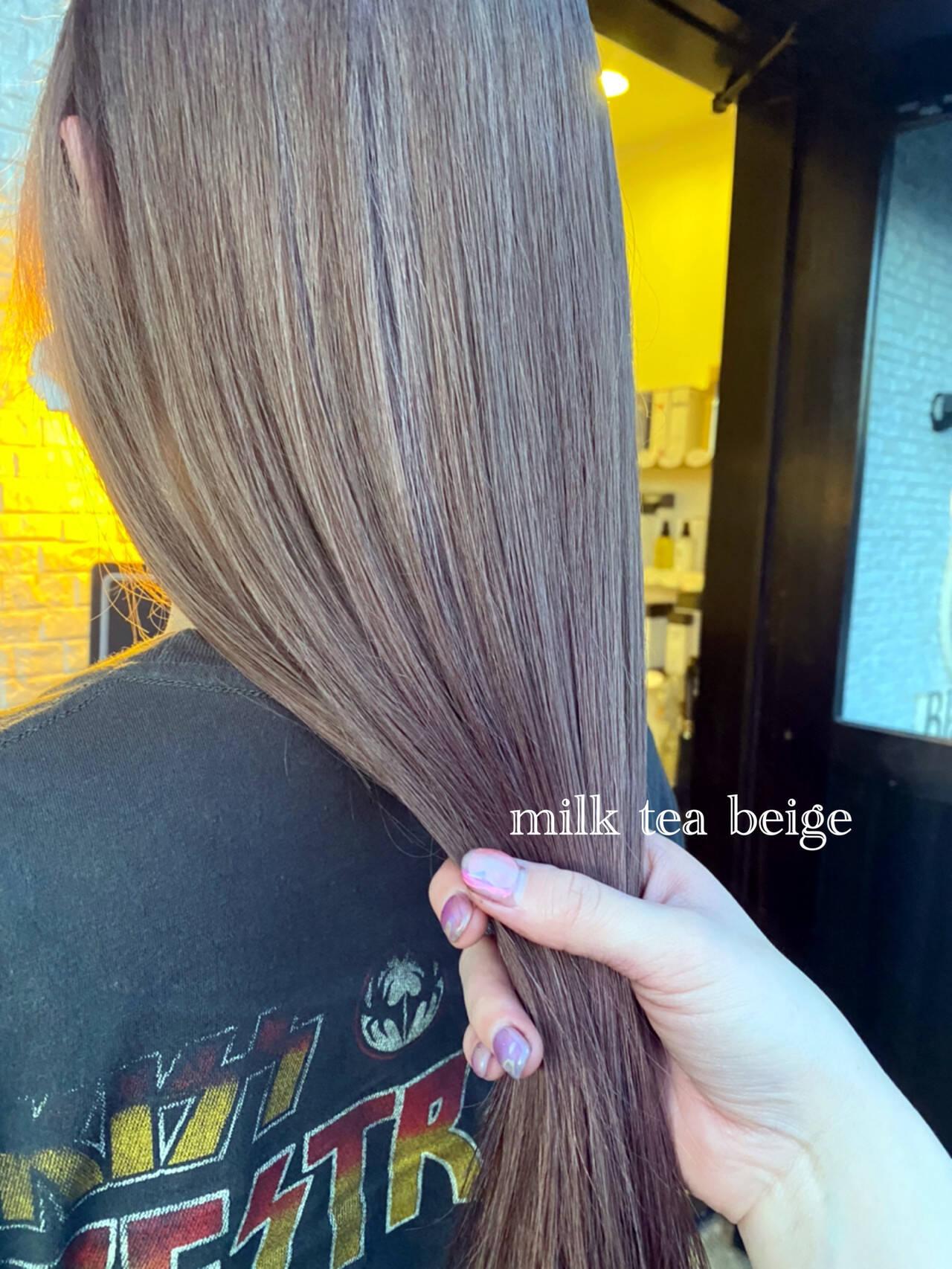 アッシュベージュ シアーベージュ ナチュラルベージュ ナチュラルヘアスタイルや髪型の写真・画像