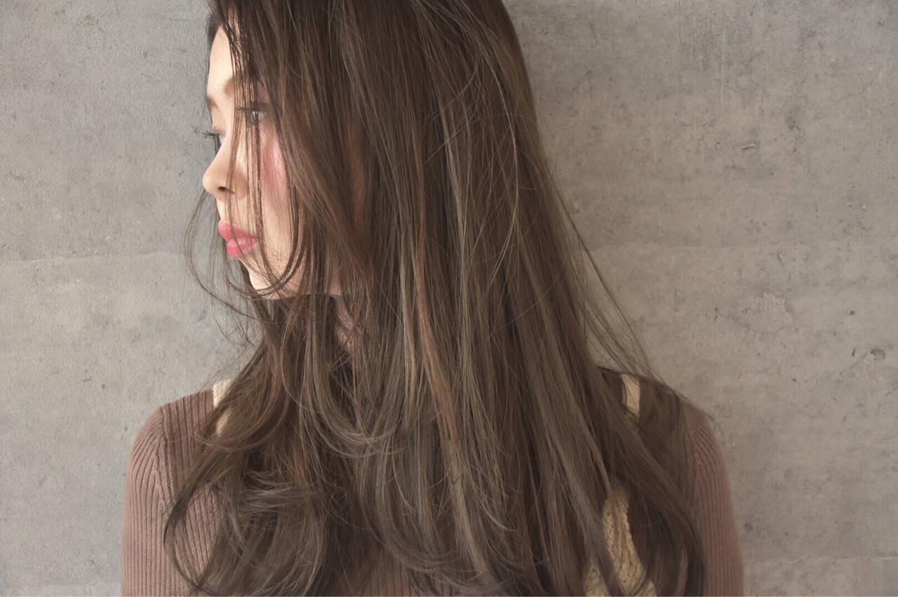ブラウンベージュ ナチュラル ハイライト セミロングヘアスタイルや髪型の写真・画像