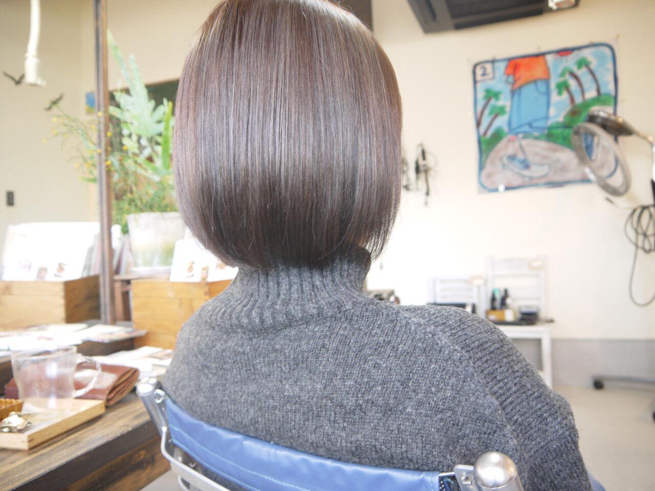 ナチュラル グレージュ ボブ ハイライトヘアスタイルや髪型の写真・画像
