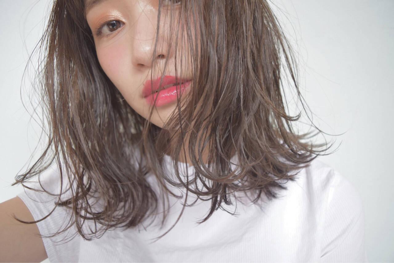 ピュア ナチュラル 黒髪 色気ヘアスタイルや髪型の写真・画像