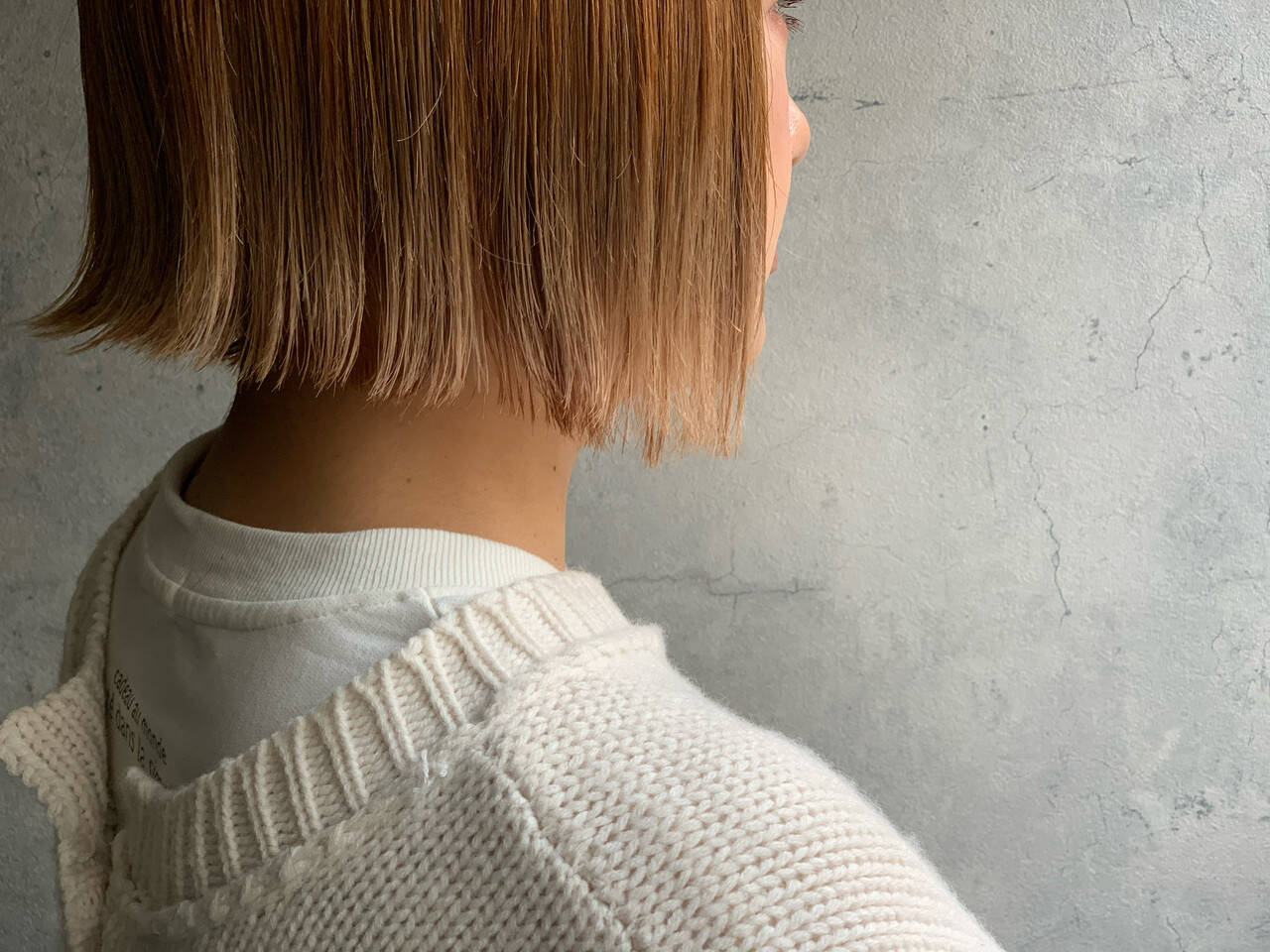 外ハネボブ 切りっぱなしボブ ミニボブ ブリーチヘアスタイルや髪型の写真・画像