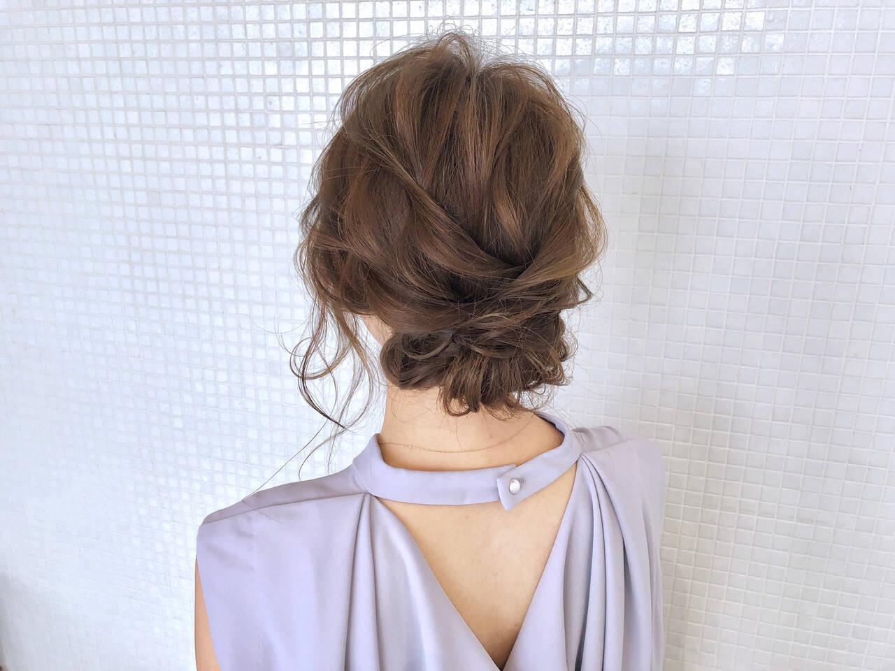ロング ギブソンタック シニヨン エレガントヘアスタイルや髪型の写真・画像