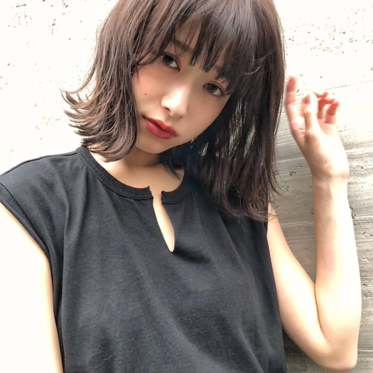 ミディアム 暗髪 簡単スタイリング おしゃれヘアスタイルや髪型の写真・画像