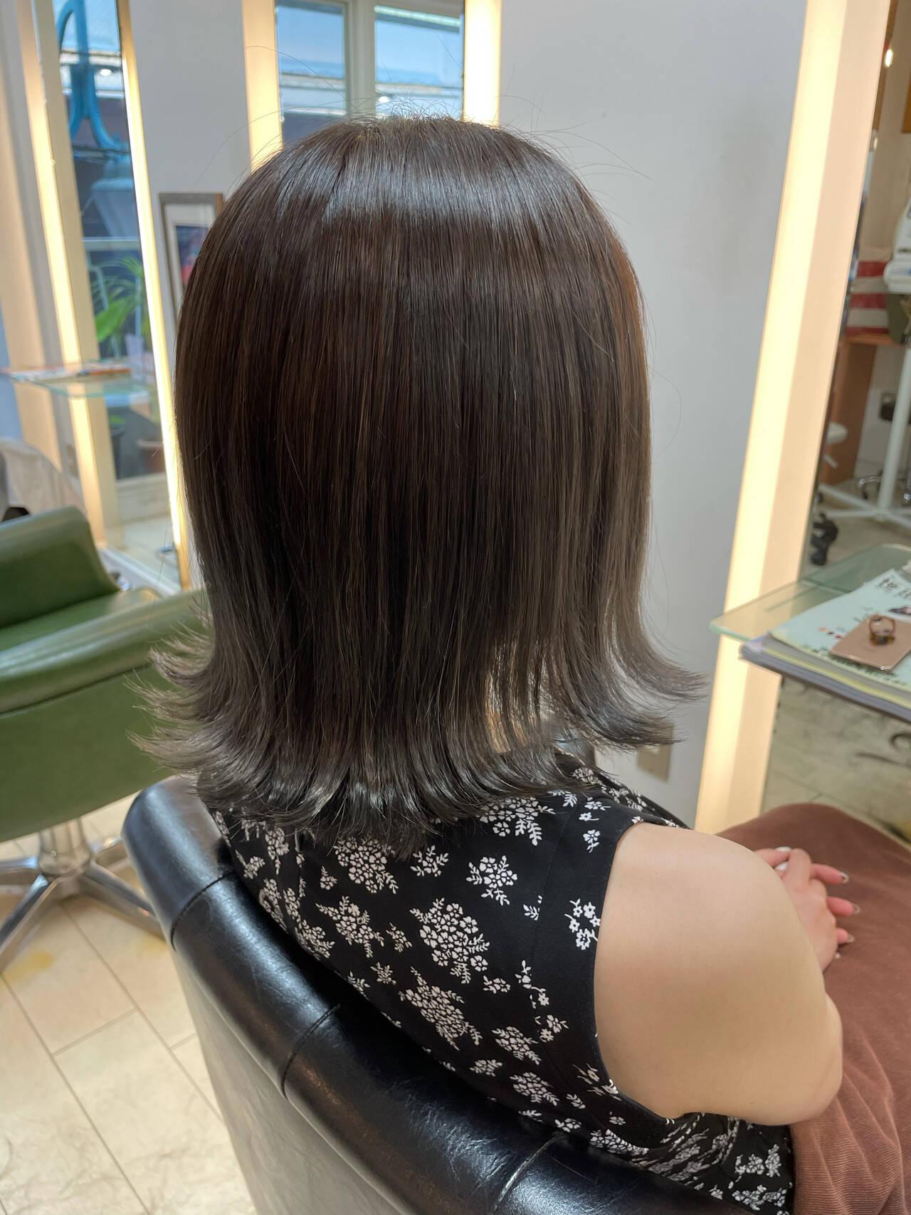 フェミニン 透明感カラー ミディアム 大人可愛いヘアスタイルや髪型の写真・画像