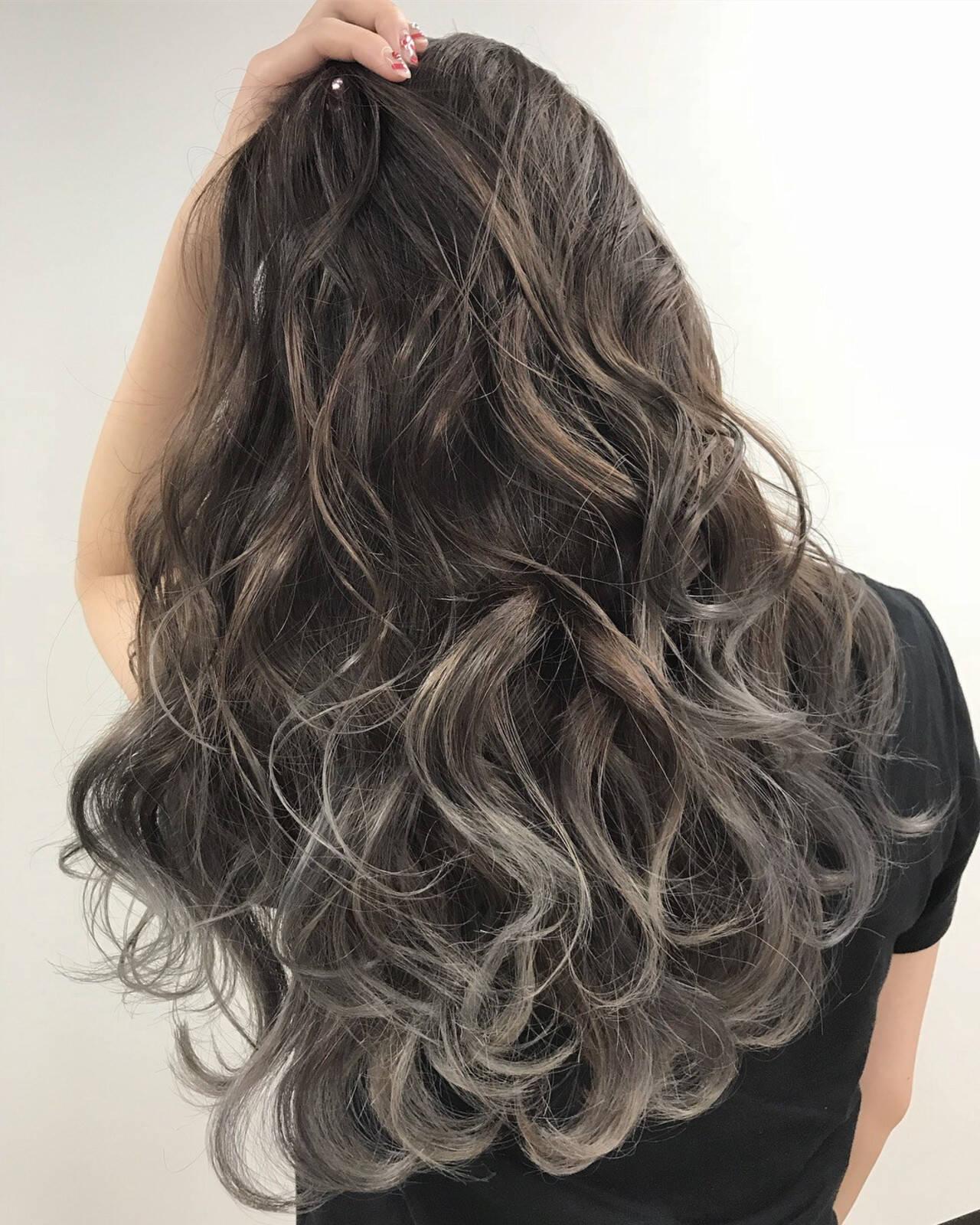 グラデーションカラー フェミニン ロング グラデーションヘアスタイルや髪型の写真・画像