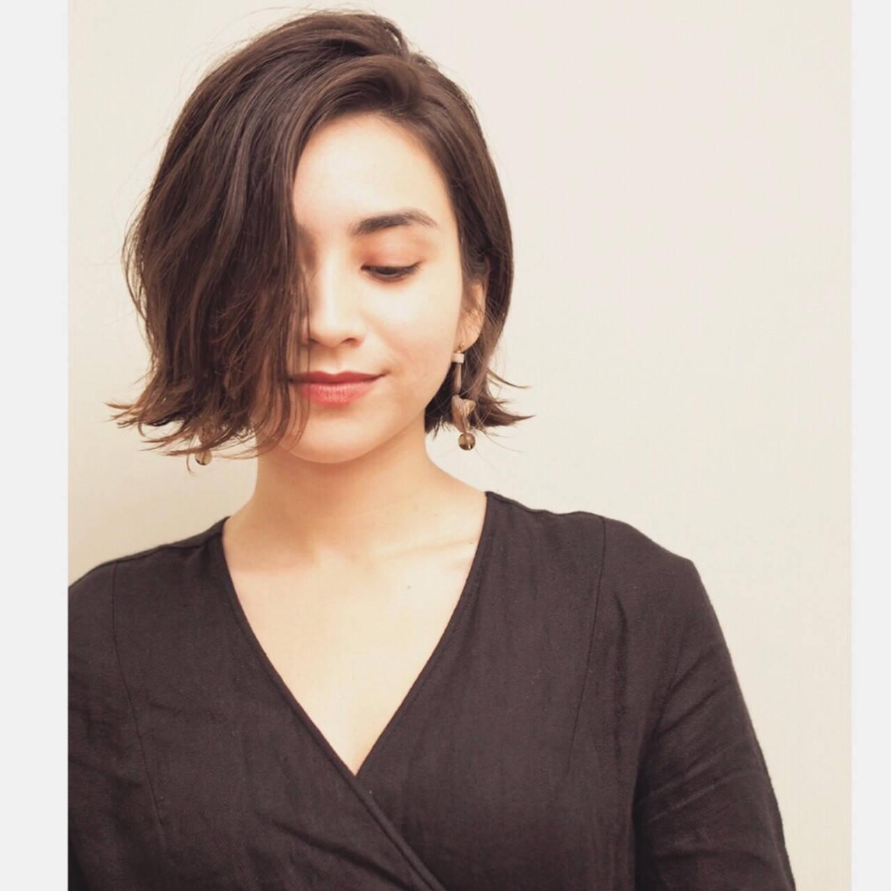 簡単スタイリング ボブ ナチュラル パーマヘアスタイルや髪型の写真・画像