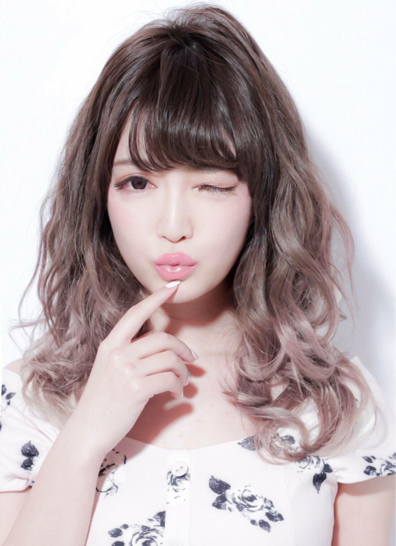 グラデーションカラー アッシュグレージュ 外国人風カラー アッシュヘアスタイルや髪型の写真・画像