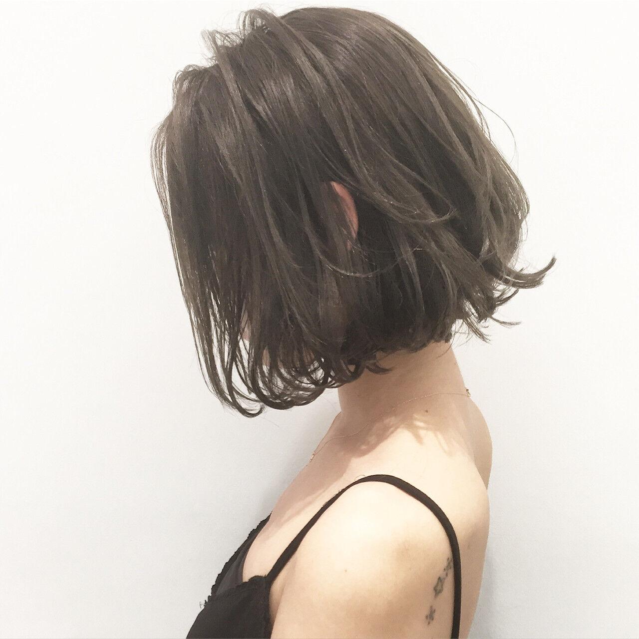 アッシュ 外国人風 暗髪 ストリートヘアスタイルや髪型の写真・画像