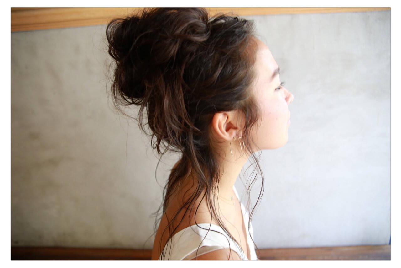 お団子 簡単ヘアアレンジ ナチュラル ヘアアレンジヘアスタイルや髪型の写真・画像