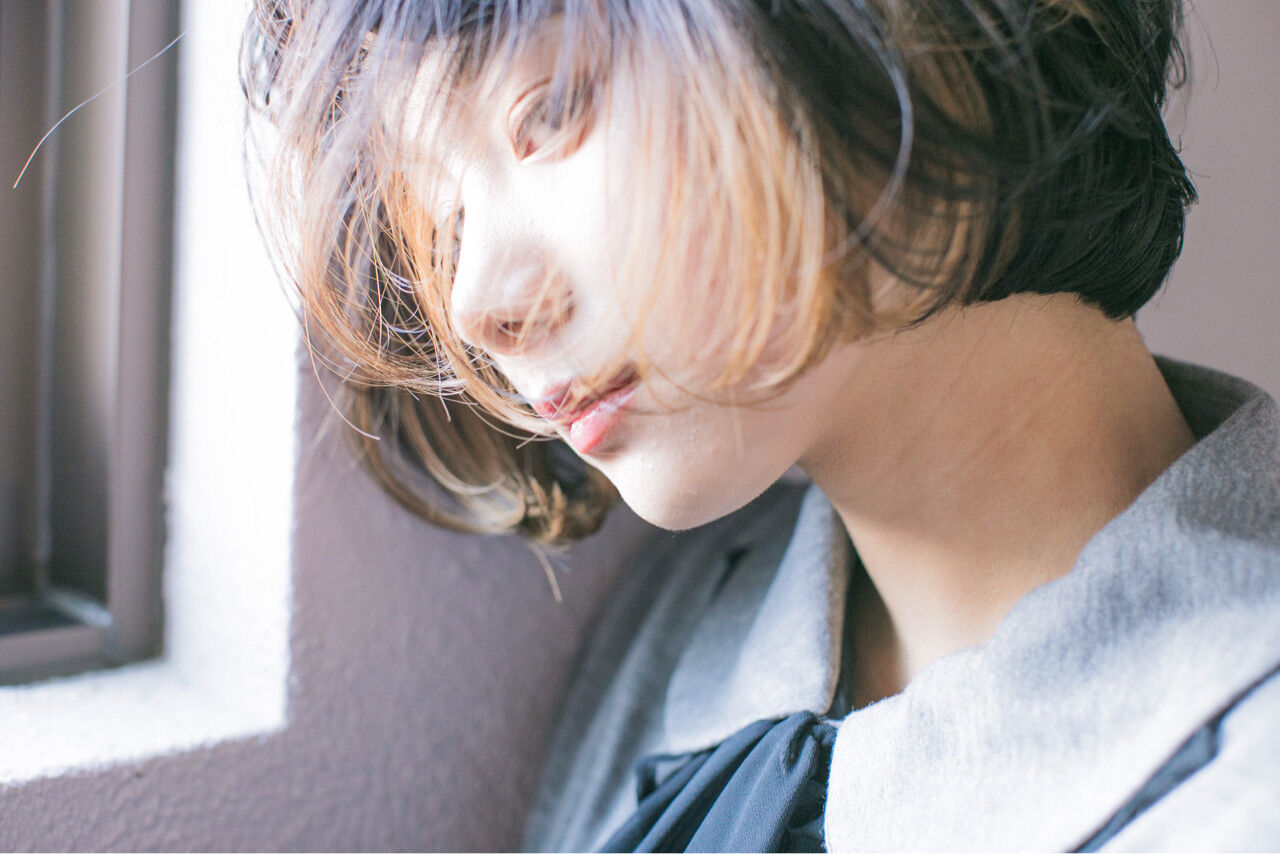 ストリート 外国人風 アッシュ ハイライトヘアスタイルや髪型の写真・画像