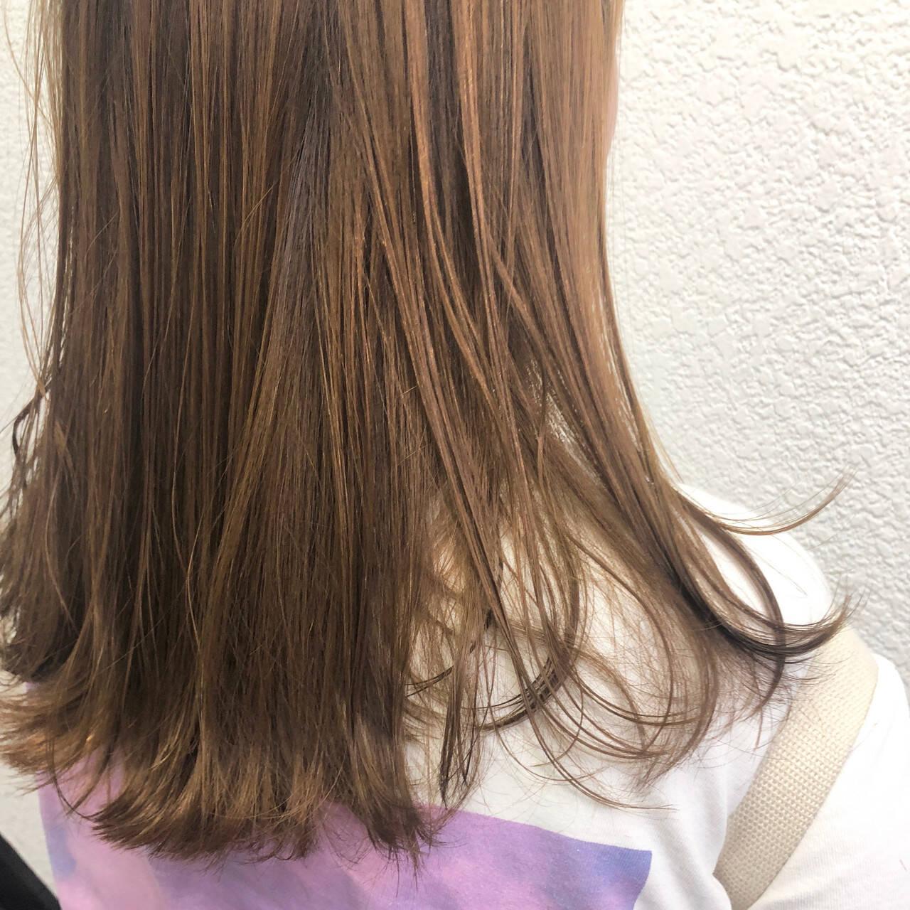 ミディアム ガーリー アプリコットオレンジ インナーカラーヘアスタイルや髪型の写真・画像