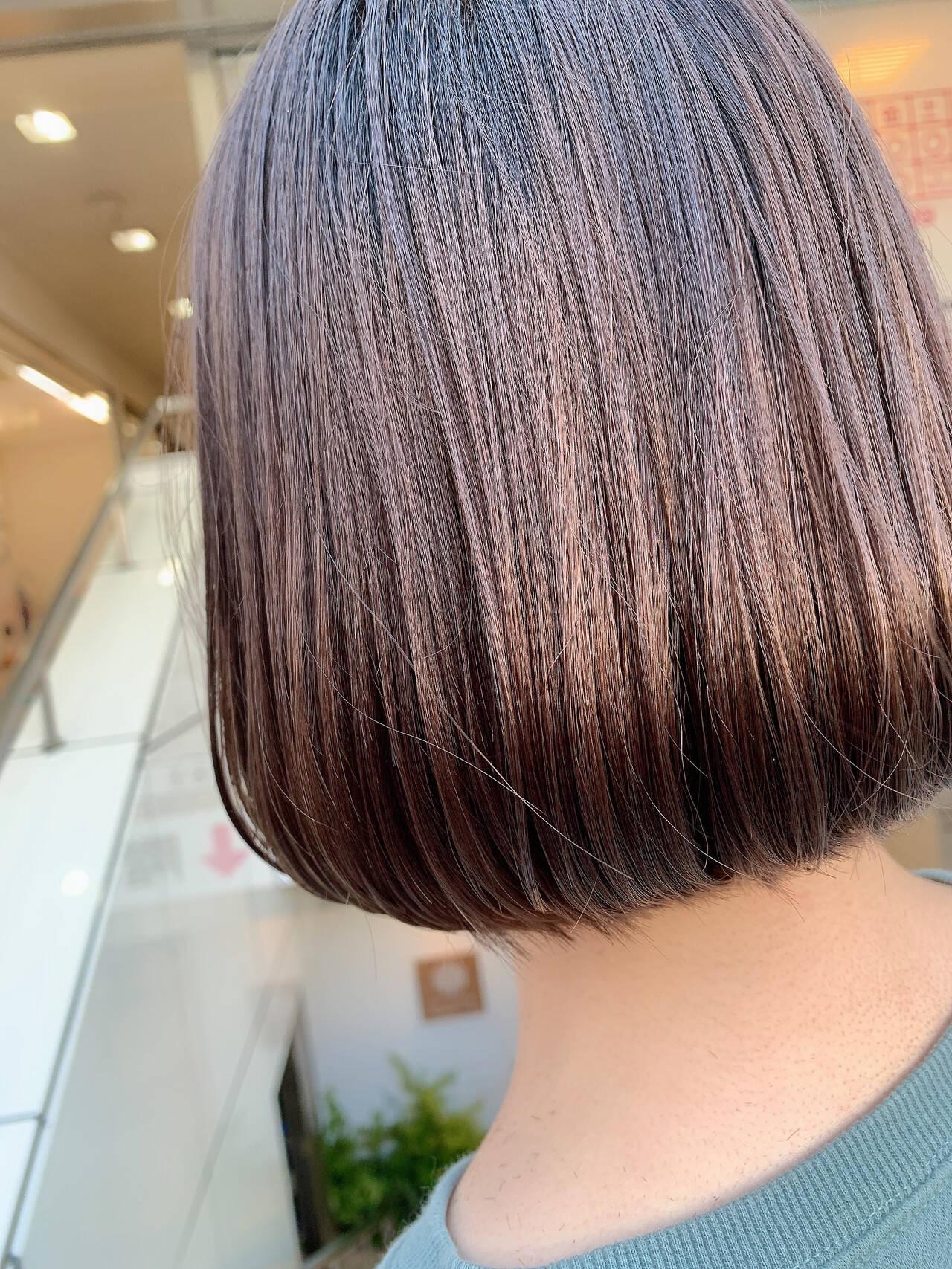 ショートヘア 内巻き ミニボブ ナチュラルヘアスタイルや髪型の写真・画像