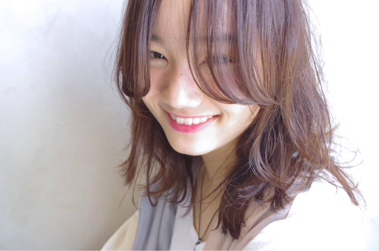 ピンク ロブ レイヤーカット パーマヘアスタイルや髪型の写真・画像